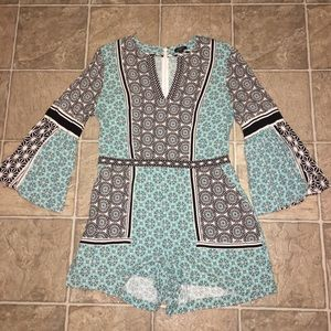 GORGEOUS LOFT ROMPER WITH BELL SLEEVES